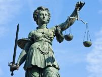Lady-Justice-frankfurt1